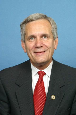 Cystic Fibrosis Foundation Honors Rep. Lloyd Doggett for Efforts in Protecting CF Patients in Clinical Trials