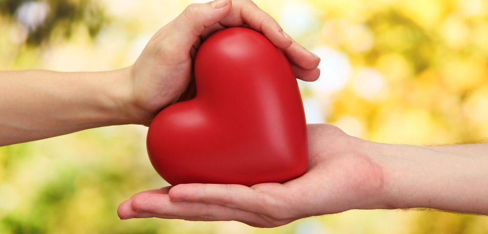 sister / Cystic Fibrosis News Today / hands holding heart